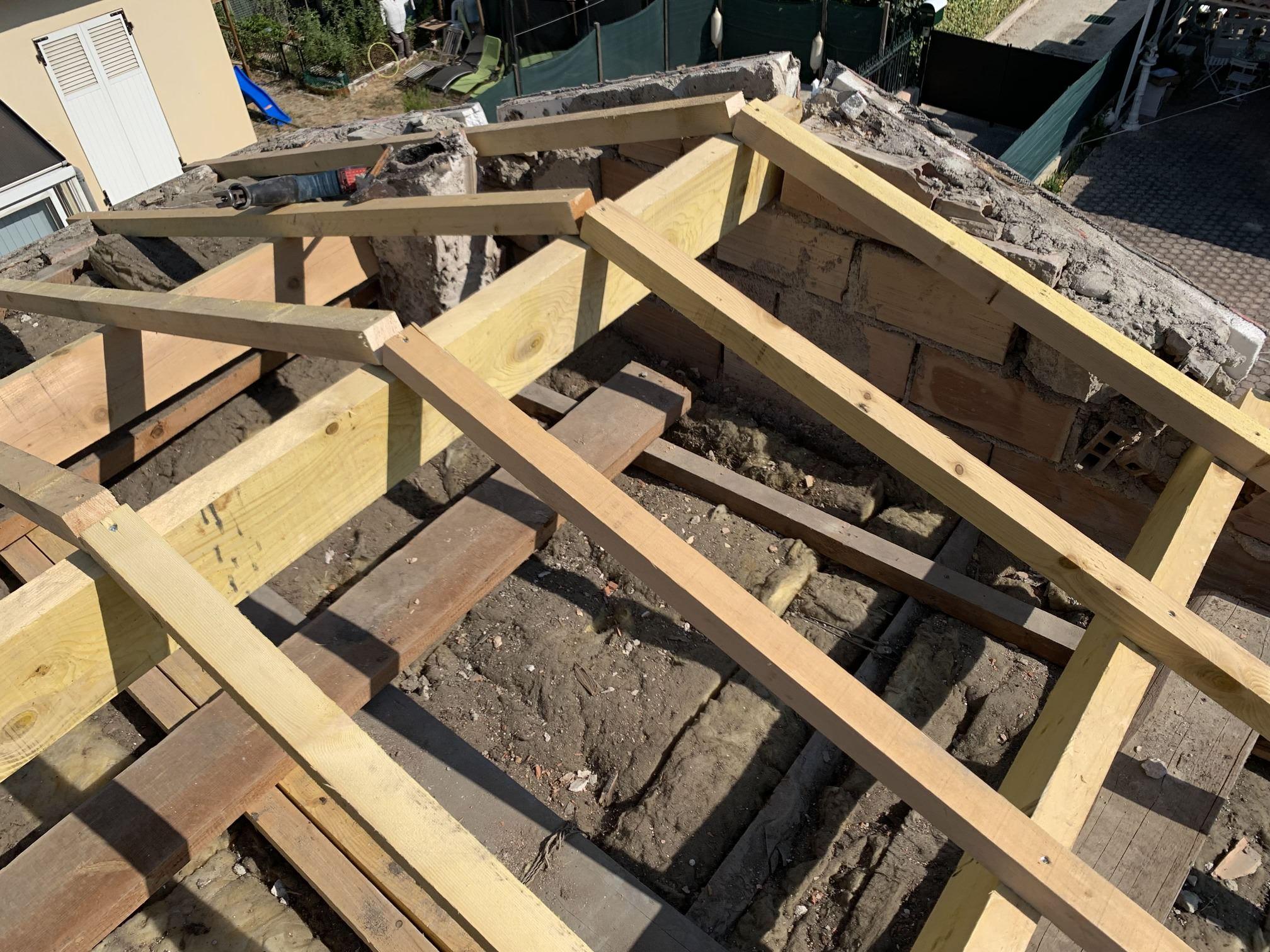 Benoit toiture - couverture de toiture et réalisation de charpente